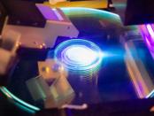 Kristallspeicher: Datensicherung für die Ewigkeit