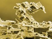 Nanoscale Sculpturing: Klebeverfahren mit Widerhakenstruktur