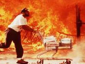 Stromausfall: Plünderungen und Gewaltausbrüche