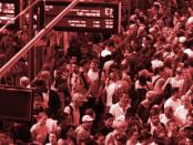 """Überfüllung von Zügen: """"Gequetscht wie die Sardinen"""" – Rausgeworfen von der Polizei"""