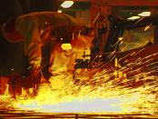 Energiearmut: Wie unsoziale Politik Strom unbezahlbar macht und Arbeitsplätze vernichtet