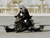 """Hoverbike: """"Mischung aus Motorrad und Quadkopter"""""""