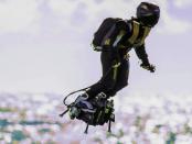 """Zapata Flyboard Air: """"Mit dem schwebenden Skateboard durch die Straßen"""""""