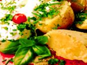 """Spezialität: """"Pellkartoffeln mit Quark und Leinöl auch Lausitzer Kartoffeln genannt"""""""