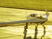 """Nurflügler - Horten HX-2: """"Zweisitziges Leichtflugzeug ohne Rumpf"""""""