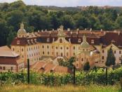 """Zisterzienserinnenabtei Klosterstift St. Marienthal: """"Seit seiner Gründung im Jahr 1234 bis heute ununterbrochen besteht"""""""