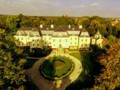 """Schloss Gaußig: """"Romantisch gelegen im Lausitzer Gefilde"""""""