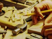 """Pension Grandel: """"Vom Baum zum Löffel - mit Holz zu arbeiten ist etwas Besonderes"""""""