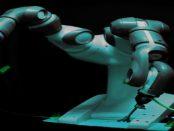 Roboter YuMi IRB 14000: Heißdrahtschneiden mit zwei Armen