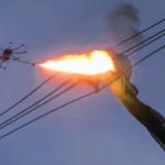 """""""Eine Drohne mit montiertem Flammenwerfer"""""""
